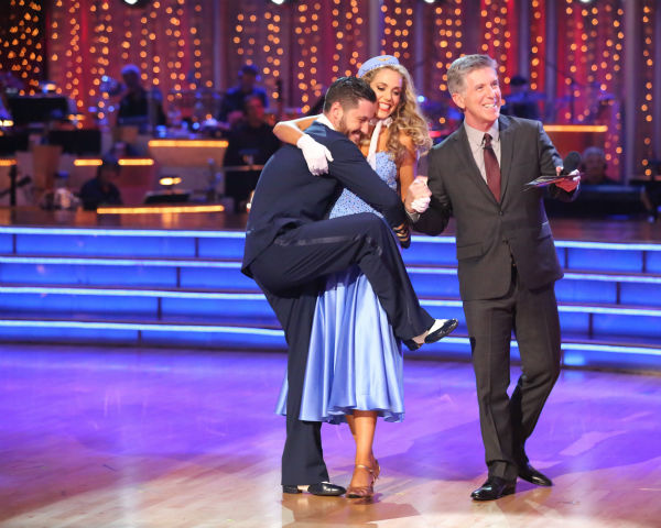 "<div class=""meta ""><span class=""caption-text "">Elizabeth Berkley and Val Chmerkovskiy react to being safe on week three of 'Dancing With The Stars' on Sept. 30, 2013. They received 25 out of 30 points from the judges for their Foxtrot. (ABC Photo / Adam Taylor)</span></div>"