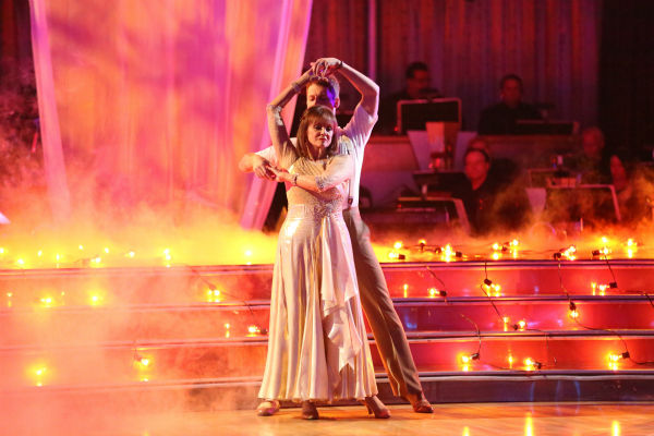 "<div class=""meta ""><span class=""caption-text "">Valerie Harper and Tristan MacManus dance the Viennese Waltz on week four of 'Dancing With The Stars' on Oct. 7, 2013. They received 18 out of 30 points from the judges. (ABC Photo / Adam Taylor)</span></div>"