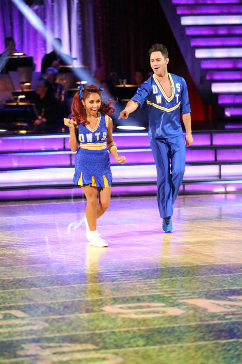 Nicole &#39;Snooki&#39; Polizzi and Sasha Farber dance the Jive on week four of &#39;Dancing With The Stars&#39; on Oct. 7, 2013. They received 24 out of 30 points from the judges. <span class=meta>(ABC Photo &#47; Adam Taylor)</span>