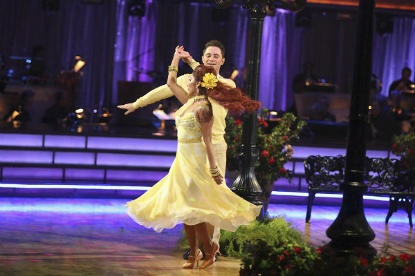 "<div class=""meta image-caption""><div class=""origin-logo origin-image ""><span></span></div><span class=""caption-text"">Nicole 'Snooki' Polizzi and Sasha Farber dance the Foxtrot on week six of 'Dancing With The Stars' on Oct. 21, 2013. They received 27 out of 30 points from the judges. The two received 3 out of 4 extra points from the 'Switch-Up Challenge.' (ABC / Adam Taylor)</span></div>"