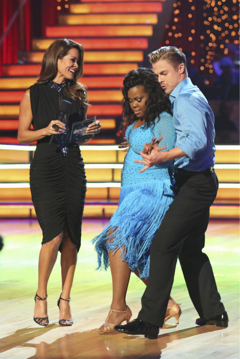 "<div class=""meta image-caption""><div class=""origin-logo origin-image ""><span></span></div><span class=""caption-text"">Amber Riley and Derek Hough, Elizabeth Berkley danced during the 'Switch-Up Challenge' on Oct. 21, 2013. They received received 4 out of 4 extra points for it and earlier, they were given 28 out of 30 points for their Samba. (ABC / Adam Taylor)</span></div>"