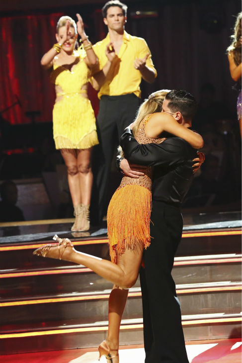 DANCING WITH THE STARS - &#34;Episode 1706&#34; - Eight remaining couples hit the dance floor and faced an exciting new challenge on &#34;Dancing with the Stars,&#34; MONDAY, OCTOBER 21 &#40;8:00-10:01 p.m., ET&#41;. At the end of the night, all couples awaited surprising elimination results. &#40;ABC&#47;Adam Taylor&#41; ELIZABETH BERKLEY LAUREN, VAL CHMERKOVSKIY <span class=meta>(ABC &#47; Adam Taylor)</span>