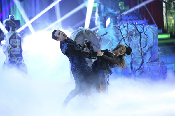"<div class=""meta ""><span class=""caption-text "">Leah Remini and Tony Dovolani dance freestyle in a group to 'Bom Bom' on 'Dancing With The Stars' on Oct. 28, 2013. (ABC Photo / Adam Taylor)</span></div>"
