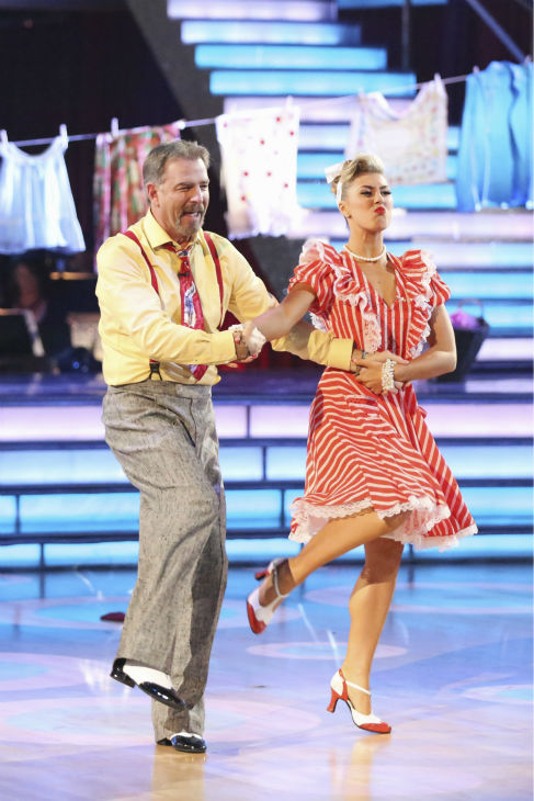 "<div class=""meta image-caption""><div class=""origin-logo origin-image ""><span></span></div><span class=""caption-text"">Bill Engvall and Emma Slater dance the Charleston on week nine of 'Dancing With The Stars' on Nov. 11, 2013. They received 21 out of 30 points from the judges. The two later received 21 out of 30 for during the trio round with Peta Murgatroyd. (ABC Photo / Adam Taylor)</span></div>"