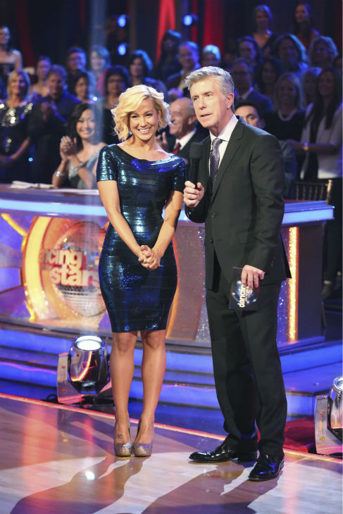 &#39;Dancing With The Stars&#39; season 16 winner and country singer Kellie Pickler appears with co-host Tom Bergeron on week 9 of season 17 of the ABC show on Nov. 11, 2013. <span class=meta>(ABC Photo &#47; Adam Taylor)</span>