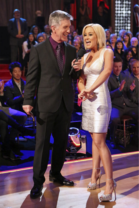 Kellie Pickler talks to 'Dancing With The Stars' co-host Tom Bergeron on week 11, the pre-finale of season 17, on Nov. 25, 2013.