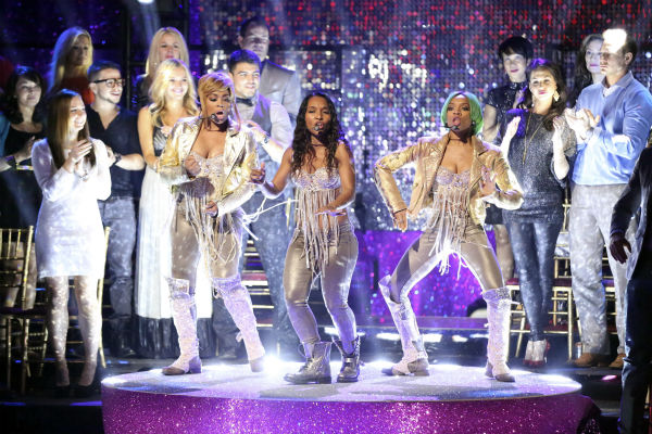 TLC accompanied the Samba relay week 11 of &#39;Dancing With The Stars&#39; on Nov. 25, 2013, and performed their hit &#39;No Scrubs.&#39; <span class=meta>(ABC Photo &#47; Adam Taylor)</span>