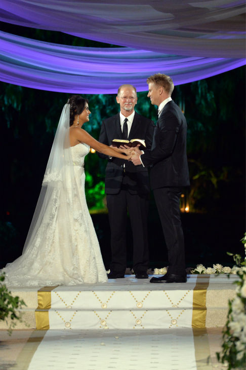 "<div class=""meta ""><span class=""caption-text "">'The Bachelor' season 17 star Sean Lowe and Catherine Giudici appear at their wedding, officiated by Lowe's father Jay, an ordained minister, at the Four Seasons Biltmore hotel in Santa Barbara, California. The event aired live on TV as part of ABC's 'The Bachelor: Sean and Catherine's Wedding' special on Jan. 26, 2014. (ABC Photo / Todd Wawrychuk)</span></div>"