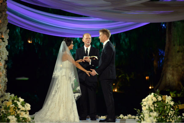 "<div class=""meta image-caption""><div class=""origin-logo origin-image ""><span></span></div><span class=""caption-text"">'The Bachelor' season 17 star Sean Lowe and Catherine Giudici appear at their wedding, officiated by Lowe's father Jay, an ordained minister, at the Four Seasons Biltmore hotel in Santa Barbara, California. The event aired live on TV as part of ABC's 'The Bachelor: Sean and Catherine's Wedding' special on Jan. 26, 2014. (ABC Photo / Todd Wawrychuk)</span></div>"