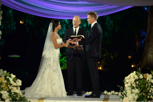 &#39;The Bachelor&#39; season 17 star Sean Lowe and Catherine Giudici appear at their wedding, officiated by Lowe&#39;s father Jay, an ordained minister, at the Four Seasons Biltmore hotel in Santa Barbara, California. The event aired live on TV as part of ABC&#39;s &#39;The Bachelor: Sean and Catherine&#39;s Wedding&#39; special on Jan. 26, 2014. <span class=meta>(ABC Photo &#47; Todd Wawrychuk)</span>