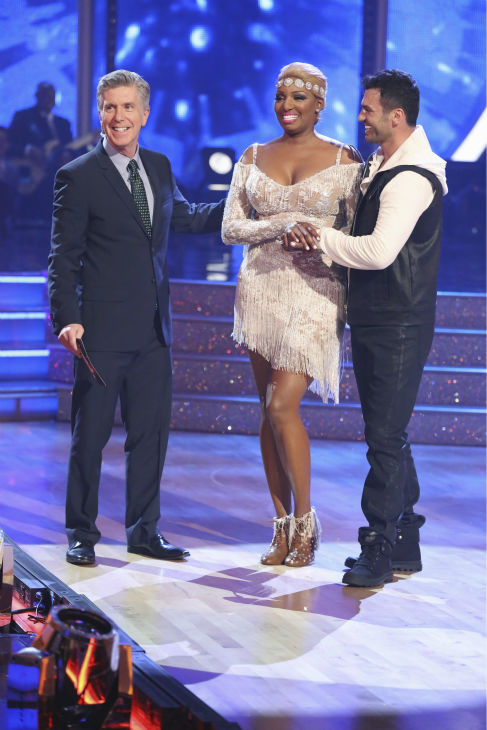 "<div class=""meta image-caption""><div class=""origin-logo origin-image ""><span></span></div><span class=""caption-text"">NeNe Leakes and partner Tony Dovolani danced the Cha Cha Cha on week 1 of ABC's 'Dancing With The Stars' on March 17, 2014. They received 21 out of 30 points from the judges. (ABC Photo / Adam Taylor)</span></div>"