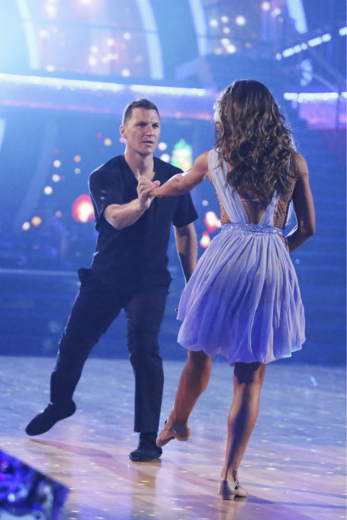 "<div class=""meta image-caption""><div class=""origin-logo origin-image ""><span></span></div><span class=""caption-text"">Sean Avery and Karina Smirnoff perform a Contemporary routine on week 1 of ABC's 'Dancing With The Stars' on March 17, 2014. They received 20 out of 30 points from the judges. (ABC Photo / Adam Taylor)</span></div>"