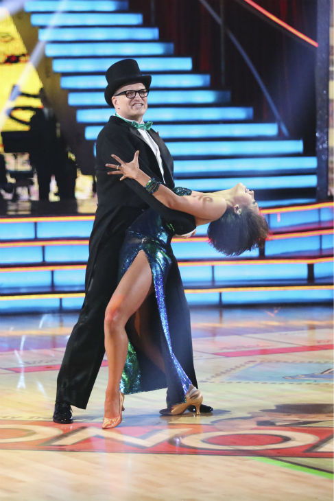 "<div class=""meta ""><span class=""caption-text "">Drew Carey and Cheryl Burke dance the Foxtrot on week 1 of ABC's 'Dancing With The Stars' on March 17, 2014. They received 21 out of 30 points from the judges. (ABC Photo / Adam Taylor)</span></div>"