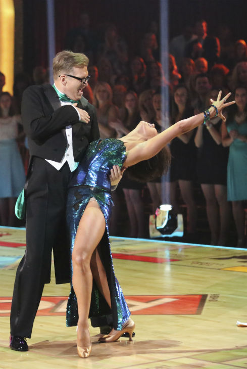 "<div class=""meta image-caption""><div class=""origin-logo origin-image ""><span></span></div><span class=""caption-text"">Drew Carey and Cheryl Burke dance the Foxtrot on week 1 of ABC's 'Dancing With The Stars' on March 17, 2014. They received 21 out of 30 points from the judges. (ABC Photo / Adam Taylor)</span></div>"