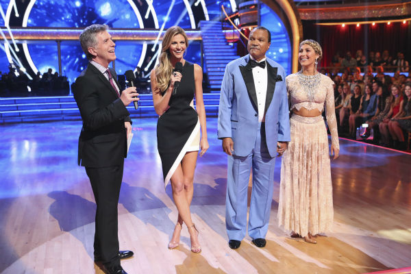 Billy Dee Williams and Emma Slater talk about Williams exiting ABC&#39;s &#39;Dancing With The Stars&#39; as a result of his chronic back pain, during week 3 on March 31, 2014. The two never danced their routine for the night. Also pictured: Co-hosts Tom Bergeron and Erin Andrews. <span class=meta>(ABC Photo &#47; Adam Taylor)</span>
