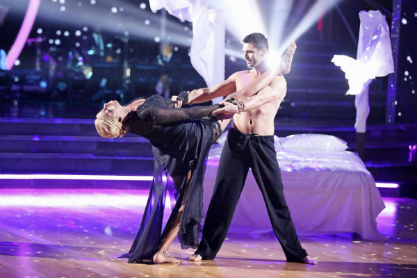 "<div class=""meta ""><span class=""caption-text "">NeNe Leakes and Tony Dovolani dance the Rumba on week 3 of ABC's 'Dancing With The Stars' on March 31, 2014. They received 31 out of 40 points from the judges. (ABC Photo / Adam Taylor)</span></div>"
