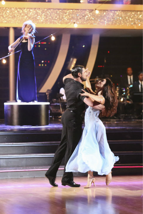 "<div class=""meta image-caption""><div class=""origin-logo origin-image ""><span></span></div><span class=""caption-text"">Meryl Davis and Maksim Chmerkovskiy dance the Foxtrot on week 3 of ABC's 'Dancing With The Stars' on March 31, 2014. They received 39 out of 40 points from the judges. Davis and fellow 'DWTS' contestant Charlie White won Olympic gold medals for ice dancing at the 2014 Sochi Olympics. (ABC Photo / Adam Taylor)</span></div>"