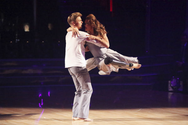 "<div class=""meta image-caption""><div class=""origin-logo origin-image ""><span></span></div><span class=""caption-text"">Amy Purdy and Derek Hough dance a Contemporary routine on week 3 of ABC's 'Dancing With The Stars' on March 31, 2014. They received 36 out of 40 points from the judges. Purdy had dedicated the dance to her father, who had donated a kidney to her after she battled bacterial meningitis in 1999. The disease also caused her to lose part of her legs. (ABC Photo / Adam Taylor)</span></div>"