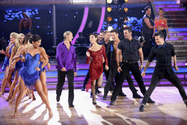 "<div class=""meta ""><span class=""caption-text "">Charlie White and Meryl Davis, who won Olympic gold medals as a pair, for ice dancing, at the 2014 Olympics in Sochi, appear with pro dancers during week 4 of ABC's 'Dancing With The Stars' season 18 on April 7, 2014. (ABC Photo / Adam Taylor)</span></div>"