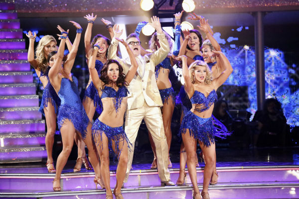 "<div class=""meta ""><span class=""caption-text "">Drew Carey appears with pro dancers during week 4 of ABC's 'Dancing With The Stars' season 18 on April 7, 2014. (ABC Photo / Adam Taylor)</span></div>"