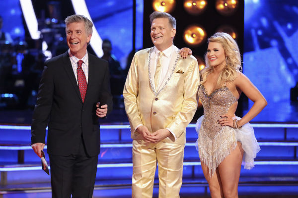 Drew Carey and Witney Carson danced the Cha Cha Cha on week 4 of ABC&#39;s &#39;Dancing With The Stars&#39; on April 7, 2014. They received 33 out of 40 points from the judges. Carey&#39;s regular partner is Cheryl Burke. <span class=meta>(ABC Photo &#47; Adam Taylor)</span>