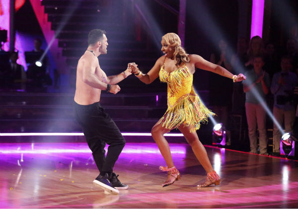 "<div class=""meta image-caption""><div class=""origin-logo origin-image ""><span></span></div><span class=""caption-text"">NeNe Leakes and Tony Dovolani dance the Salsa on week 6 of 'Dancing With The Stars' season 18 on April 21, 2014. They received 33 out of 40 points from the judges. (ABC Photo / Adam Taylor)</span></div>"