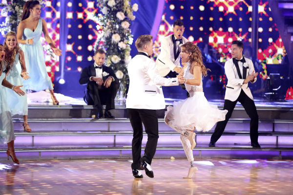 Amy Purdy and Derek Hough dance a wedding-themed Jive on week 6 of ABC&#39;s &#39;Dancing With The Stars&#39; on April 21, 2014. They received 38 out of 40 points from the judges. Also pictured: pro dancers Emma Slater, Lindsay Arnold, Jenna Johnson, Artem Chigvintsev, Sasha Farber and Henry Byalikov. <span class=meta>(ABC Photo &#47; Adam Taylor)</span>