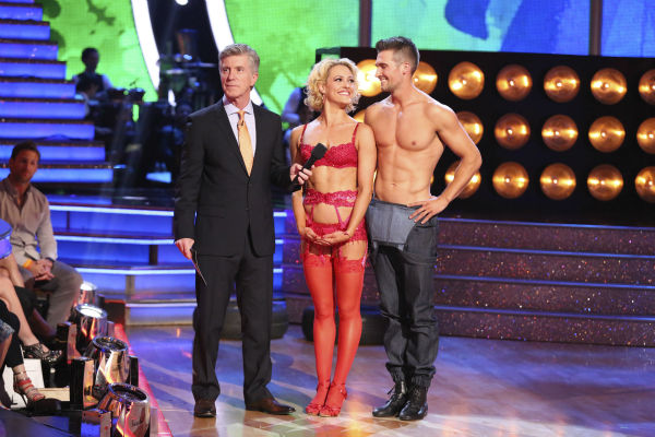 "<div class=""meta image-caption""><div class=""origin-logo origin-image ""><span></span></div><span class=""caption-text"">James Maslow and Peta Murgatroyd danced the Samba on week 7 of 'Dancing With The Stars' on April 28, 2014. They received 35 out of 40 points from the judges. The two also danced as part of team Vida and the team received 35 out of 40 points from the judges. (ABC Photo / Adam Taylor)</span></div>"