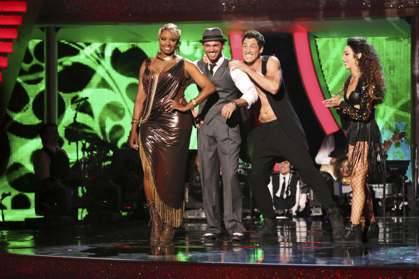 "<div class=""meta ""><span class=""caption-text "">NeNe Leakes and Tony Dovolani react to being eliminated on week 7 of 'Dancing With The Stars' on April 28, 2014. They received 31 out of 40 points from the judges for their Argentine Tango. The two also danced as part of team Vida and the team received 35 out of 40 points from the judges. Also pictured: Maksim Chmerkovskiy and Meryl Davis. (ABC Photo / Adam Taylor)</span></div>"