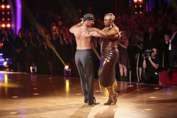NeNe Leakes and Tony Dovolani dance the Argentine Tango on week 7 of &#39;Dancing With The Stars&#39; on April 28, 2014. They received 31 out of 40 points from the judges. The two also danced as part of team Vida and the team received 35 out of 40 points from the judges. <span class=meta>(ABC Photo &#47; Adam Taylor)</span>