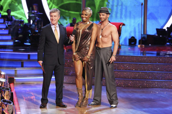 NeNe Leakes and Tony Dovolani danced the Argentine Tango on week 7 of &#39;Dancing With The Stars&#39; on April 28, 2014. They received 31 out of 40 points from the judges. The two also danced as part of team Vida and the team received 35 out of 40 points from the judges. <span class=meta>(ABC Photo &#47; Adam Taylor)</span>