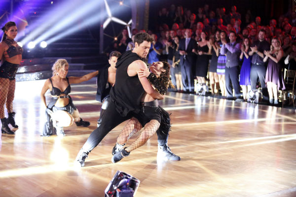 Meryl Davis and Maksim Chmerkovskiy dance the Salsa on week seven of &#39;Dancing With The Stars&#39; on April 28, 2014. They received 39 out of 40 points from the judges. The two also danced as part of team Loca and received 39 out of 40 points from the judges. Also pictured: Jenna Johnson, Emma Slater and Henry Byalikov. <span class=meta>(ABC Photo &#47; Adam Taylor)</span>