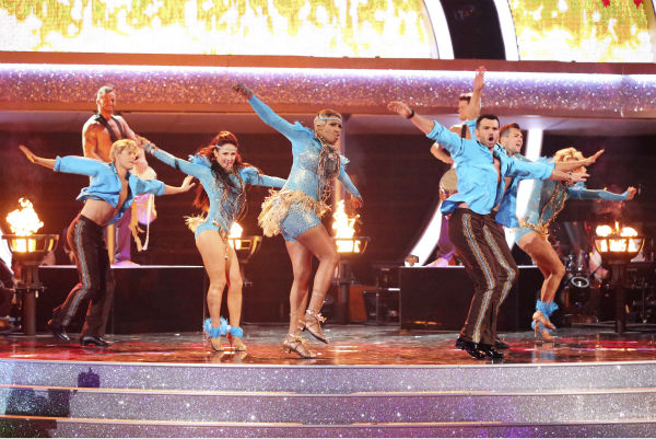 "<div class=""meta ""><span class=""caption-text "">NeNe Leakes, Tony Dovolani, James Maslow, Peta Murgatroyd, Charlie White and Sharna Burgess dance as part of team Vida on week 7 of 'Dancing With The Stars' on April 28, 2014. They received 35 out of 40 points from the judges. Also pictured: Artem Chigvintsev. (ABC Photo / Adam Taylor)</span></div>"