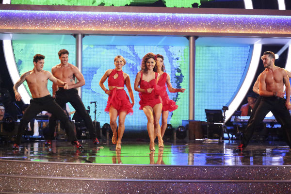 "<div class=""meta ""><span class=""caption-text "">Amy Purdy, Derek Hough, Candace Cameron Bure, Mark Ballas, Meryl Davis, Maksim Chmerkovskiy, Danica McKellar and Valentin Chmerkovskiy dance as part of team Loca on week 7 of 'Dancing With The Stars' on April 28, 2014. They received 39 out of 40 points from the judges. (ABC Photo / Adam Taylor)</span></div>"
