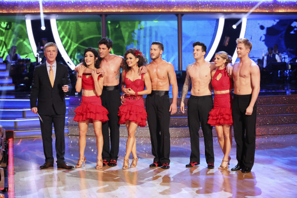 "<div class=""meta image-caption""><div class=""origin-logo origin-image ""><span></span></div><span class=""caption-text"">Amy Purdy, Derek Hough, Candace Cameron Bure, Mark Ballas, Meryl Davis, Maksim Chmerkovskiy, Danica McKellar and Valentin Chmerkovskiy danced as part of team Loca on week 7 of 'Dancing With The Stars' on April 28, 2014. They received 39 out of 40 points from the judges. (ABC Photo / Adam Taylor)</span></div>"
