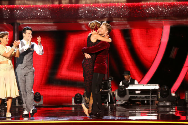 "<div class=""meta image-caption""><div class=""origin-logo origin-image ""><span></span></div><span class=""caption-text"">Amy Purdy and Derek Hough react to being safe from elimination on week 8 of 'Dancing With The Stars' on May 5, 2014. They received 40 out of 40 points from the judges for their Argentine Tango. She also scored 39 out of 40 points with James Maslow for their Jive during the celebrity dance duel. (ABC Photo / Adam Taylor)</span></div>"