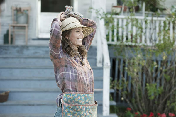 "<div class=""meta image-caption""><div class=""origin-logo origin-image ""><span></span></div><span class=""caption-text"">Diane Lane as Martha Kent in Warner Bros. Pictures' and Legendary Pictures' action adventure 'Man of Steel,' a Warner Bros. Pictures release. (Clay Enos / Warner Bros. Pictures)</span></div>"