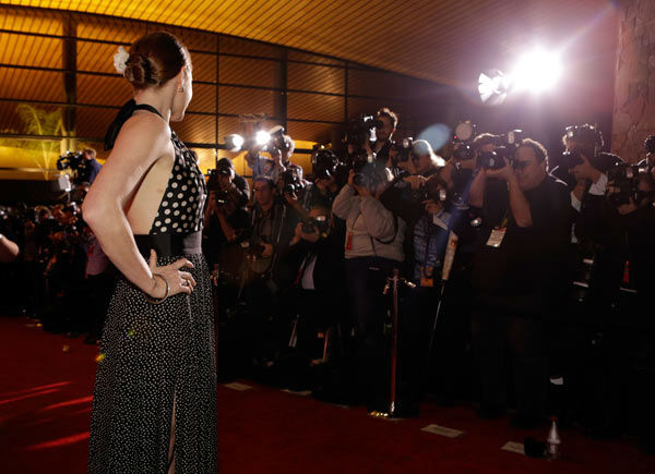 Amy Adams arrives at the 25th annual Palm Springs International Film Festival awards gala at Palm Springs Convention Center on January 4, 2014 in Palm Springs, California. <span class=meta>(Jeff Vespa&#47;Getty Images for PSIFF)</span>