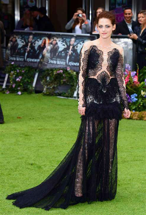 "<div class=""meta image-caption""><div class=""origin-logo origin-image ""><span></span></div><span class=""caption-text"">Kristen Stewart appears at the London premiere of 'Snow White and the Huntsman' on May 14, 2012.  (PGE / startraksphoto.com)</span></div>"