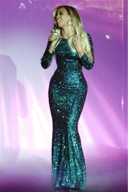 Beyonce performs the song &#39;XO&#39; from her 2013 album &#39;Beyonce&#39; at the 2014 BRIT Awards in London on Feb. 19, 2014. <span class=meta>(Richard Young &#47; REX &#47; Startraksphoto.com)</span>