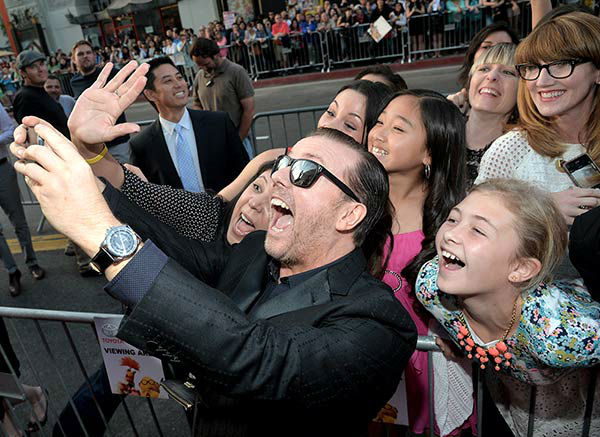 Ricky Gervais arrives at the world premiere of Disney&#39;s &#39;Muppets Most Wanted&#39; at the El Capitan Theatre on March 11, 2014 in Hollywood, California.  <span class=meta>(Alberto E. Rodriguez&#47;Getty Images for Disney)</span>