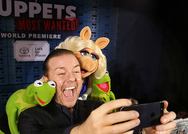 Constantine, Ricky Gervais, Miss Piggy and Kermit the Frog arrive at the world premiere of Disney&#39;s &#39;Muppets Most Wanted&#39; at the El Capitan Theatre on March 11, 2014 in Hollywood, California.  <span class=meta>(Christopher Polk&#47;Getty Images for Disney)</span>