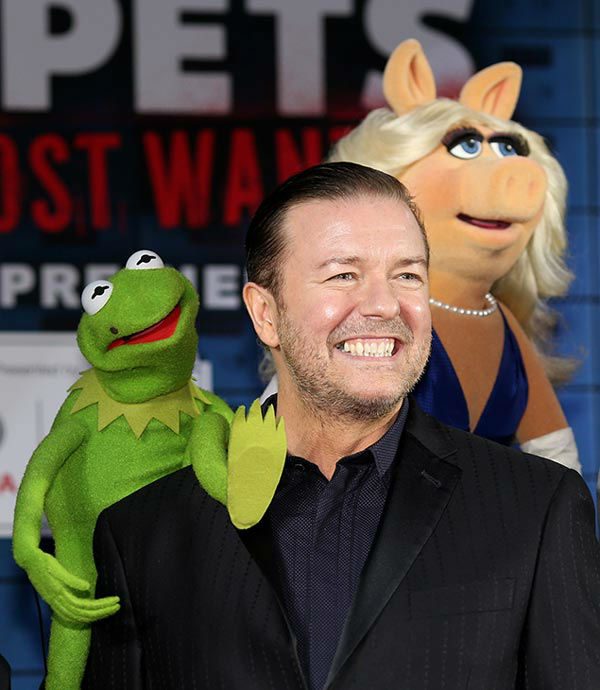 Constantine, Ricky Gervais and Miss Piggy arrive at the world premiere of Disney&#39;s &#39;Muppets Most Wanted&#39; at the El Capitan Theatre on March 11, 2014 in Hollywood, California.  <span class=meta>(Christopher Polk&#47;Getty Images for Disney)</span>