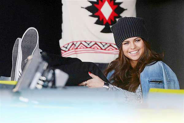 "<div class=""meta image-caption""><div class=""origin-logo origin-image ""><span></span></div><span class=""caption-text"">Selena Gomez appears on the set of her Adidas NEO ad campaign shoot in New York City on March 11, 2014. (247paps.Tv / startraksphoto.com)</span></div>"