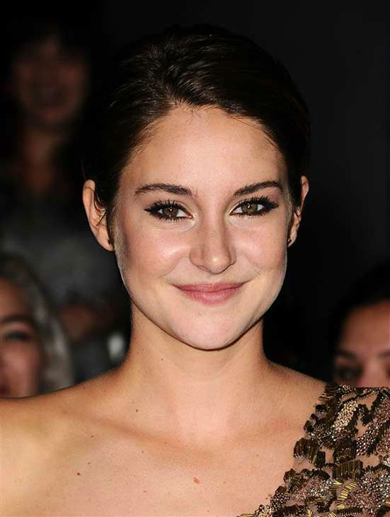 Shailene Woodley appears at the premiere of &#39;Divergent&#39; at the Regency Bruin Theatre in Westwood, California on March 18, 2013. <span class=meta>(Sara De Boer &#47; startraksphoto.com)</span>