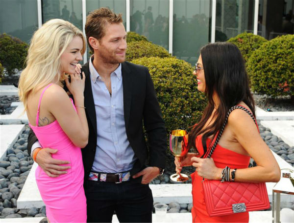 "<div class=""meta image-caption""><div class=""origin-logo origin-image ""><span></span></div><span class=""caption-text"">Juan Pablo Galavis, star of ABC's 'The Bachelor' season 18, and winner Nikki Ferrell appear with Adriana De Moura, star of the Bravo reality show 'The Real Housewives of Miami' at the Moet and Chandon 'Tiny Tennis' with Roger Federer event at Club 50 at Viceroy Miami on March 19. (Seth Browarnik / Startraksphoto.com)</span></div>"
