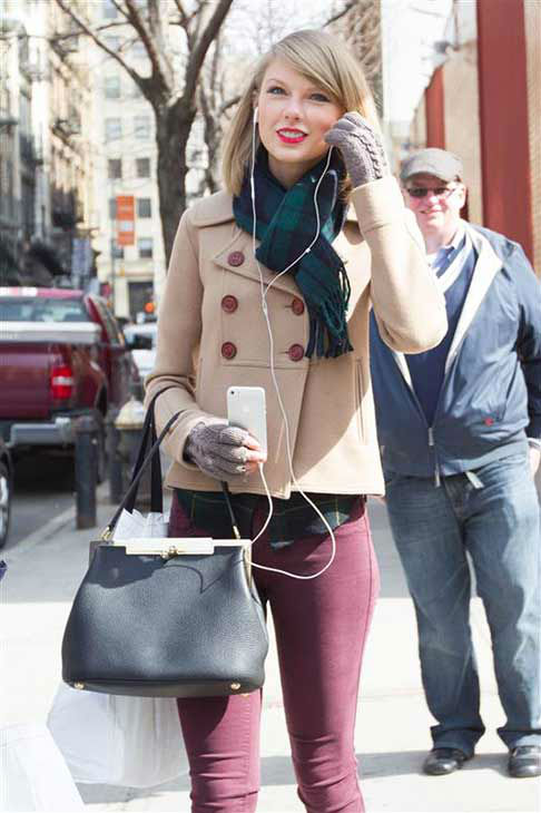 Taylor Swift appears in New York City while shopping on March 27, 2014.