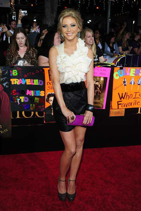 "<div class=""meta ""><span class=""caption-text "">Julianne Hough appears at 'The Twilight Saga: New Moon' premiere in Los Angeles on Nov. 17, 2009. (Sara De Boer / startraksphoto.com)</span></div>"
