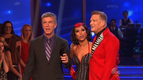 "<div class=""meta image-caption""><div class=""origin-logo origin-image ""><span></span></div><span class=""caption-text"">Drew Carey and Cheryl Burke danced the Tango on week six of 'Dancing With The Stars' on April 21, 2014. They received 32 out of 40 points from the judges. (ABC)</span></div>"