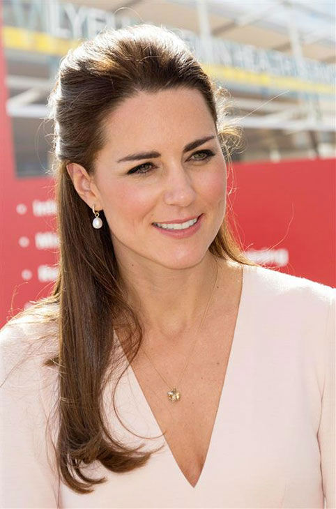 Kate Middleton, aka Catherine, Duchess of Cambridge, attends a reception co-hosted by the Governor of South Australia and Acting Premier of South Australia on April 23, 2014. <span class=meta>(Rex Features&#47;Startraksphoto.com)</span>